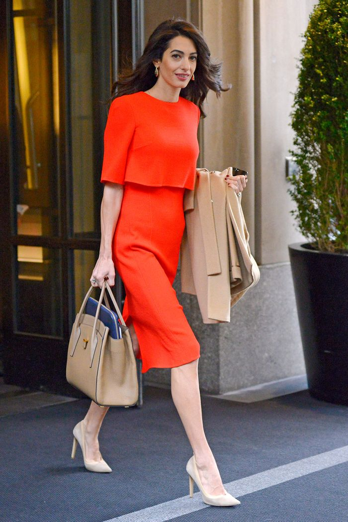 پنج لباس سادهای که امل کلونی همیشه از آنها استفاده میکند